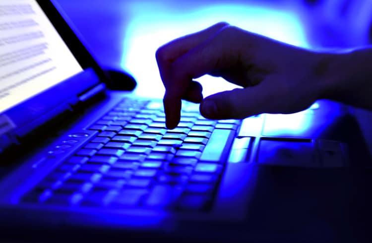 Bitfinex tenta negociar $ 65 milhões com hacker