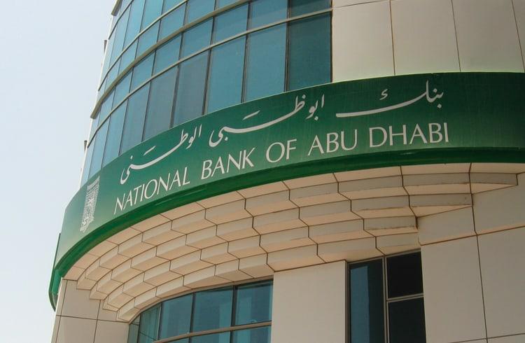Maior Banco de Abu Dhabi's adere a Blockchain para Remessa de Pagamentos