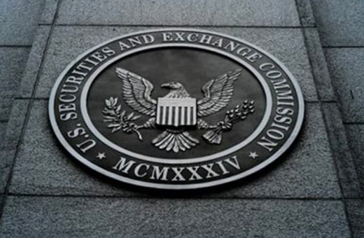Bitcoin longe da bolsa de valores: SEC rejeita pedido de ETF da SolidX