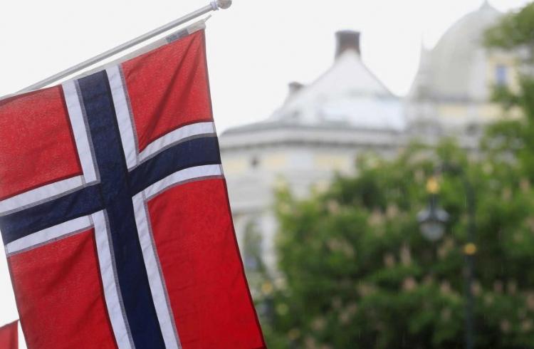 Banco Central da Noruega considera a criação de uma moeda digital nacional devido à queda do uso do dinheiro físico