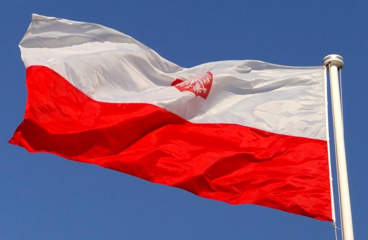 Polônia torna-se o primeiro país a colocar registros bancários em uma blockchain