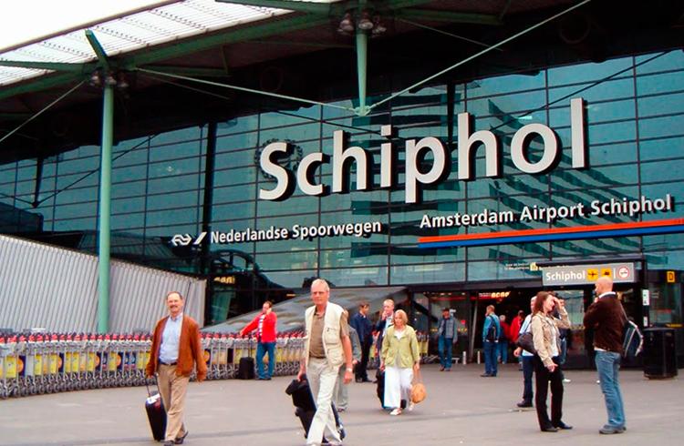 Aeroporto de Amsterdã permite que viajantes troquem euros por criptomoedas