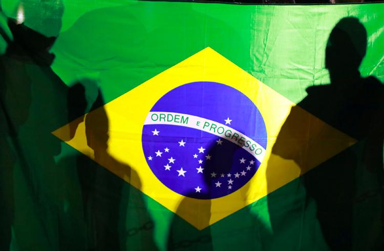 Mais brasileiros optam por criptomoedas do que investimentos tradicionais