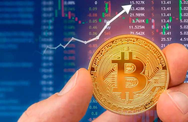 Preço do Bitcoin aumenta quase US$1 mil em um único dia e ultrapassa a marca dos US$7 mil