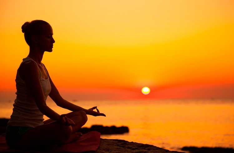 Brasileiro cria projeto que pagará criptomoedas para a prática de meditação