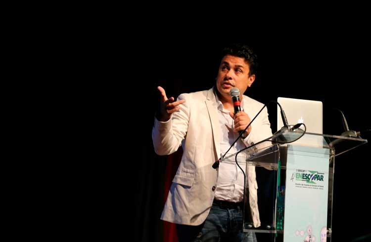 Professor brasileiro diz que ficar de fora da quarta revolução industrial trará consequências imensuráveis