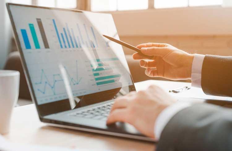 Relatório da Coindesk destaca queda nas taxas de transação, aumento das ICOs e adoção da Lightning Network