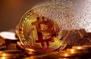 """Bloomberg diz que Roger Ver e Craig Wright estão """"destruindo"""" o Bitcoin"""