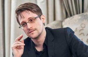 """Edward Snowden segue otimista sobre as criptomoedas e diz que o """"dinheiro da blockchain"""" faz sentido"""