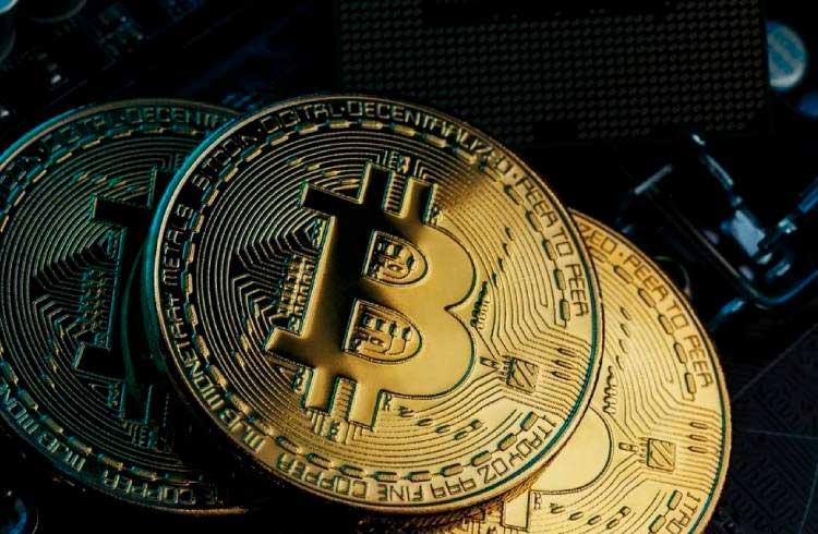 """Bitcoin é descrito como uma """"bolha econômica em colapso"""" no Wikipedia"""