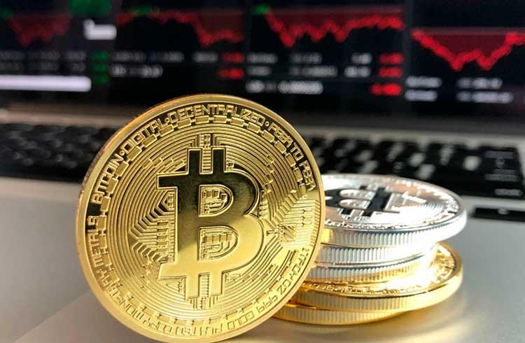 Mercado de criptomoedas volta a recuar; Bitcoin Cash sofre a maior baixa de todos os tempos