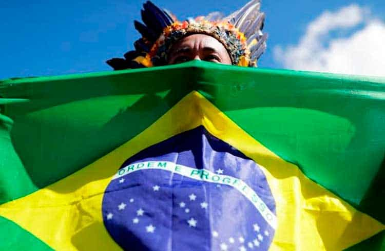 Entidades criticam criptomoeda vetada pelo governo de Jair Bolsonaro