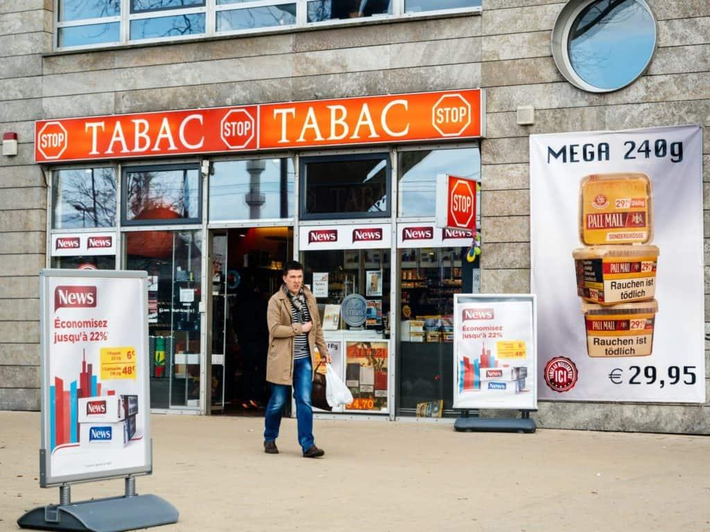 Tabacarias na França começam a vender Bitcoin mesmo com incerteza regulatória