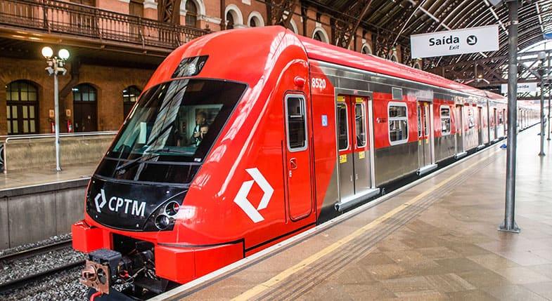 Piramideiros oferecem investimento em Bitcoin com 200% de retorno nos trens de São Paulo