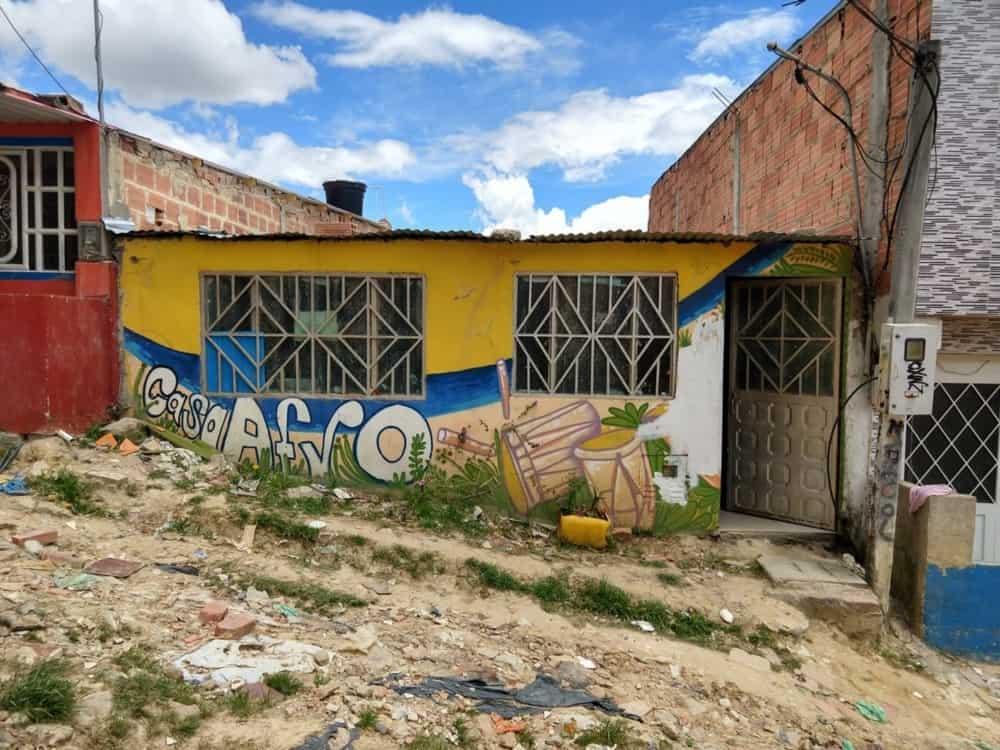 Norte-americano faz experimento social na Colômbia e introduz cripto aos desbancarizados