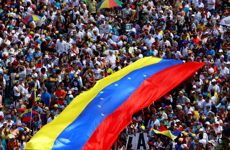 Volumes de negociação de Bitcoin atinge recordes na Venezuela após anúncio de regulação