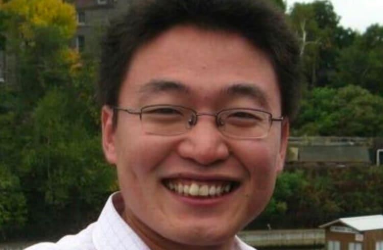 """Bilionário chinês alerta! """"Compre Bitcoin enquanto ninguém presta atenção"""""""