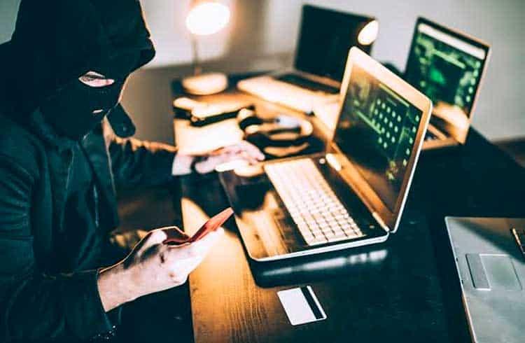 Hacker de 20 anos se declara culpado em roubo de US$5 milhões em criptoativos
