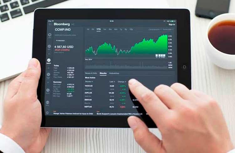 Nasdaq, Bloomberg e Reuters aderem a índices de criptomoedas da CoinMarketCap