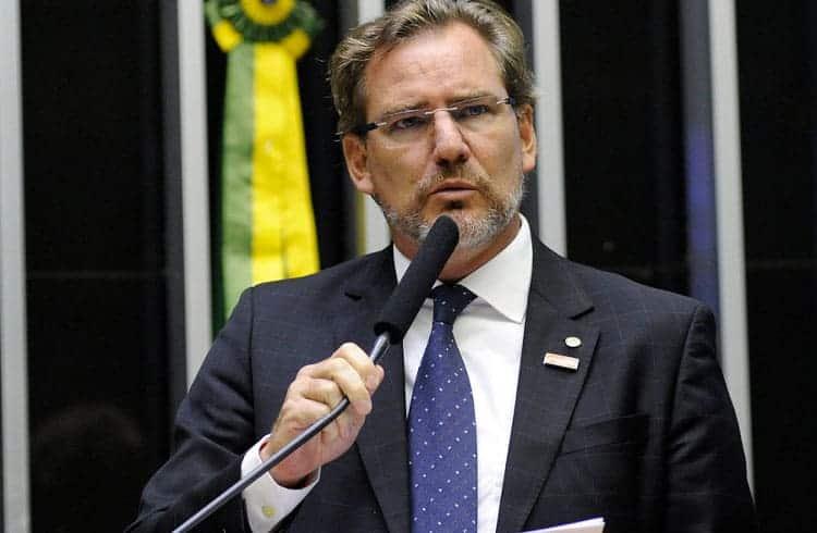 Deputado Alexis Fonteyne assume posição de relator em comissão que debate a regulação de criptoativos no Brasil