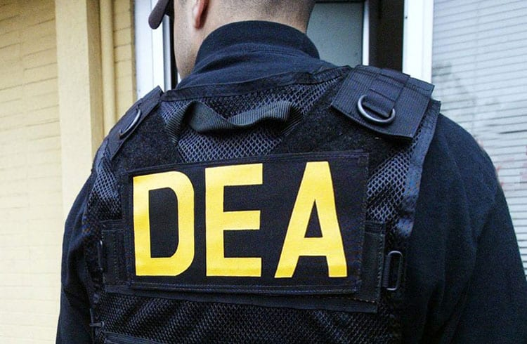 Agente especial do DEA fala sobre o uso de criptomoedas por criminosos