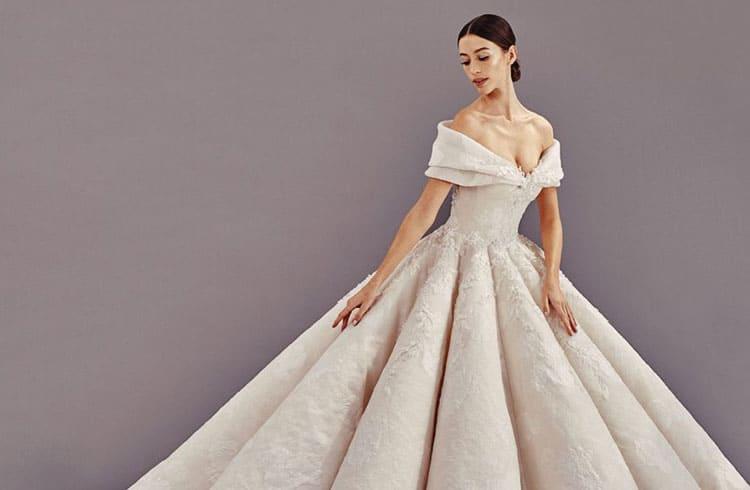 """Empresa vende primeiro """"vestido digital"""" do mundo"""