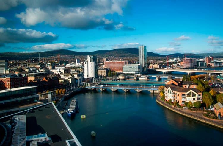 Capital da Irlanda do Norte se tornará primeira cidade do Reino Unido a lançar criptomoeda