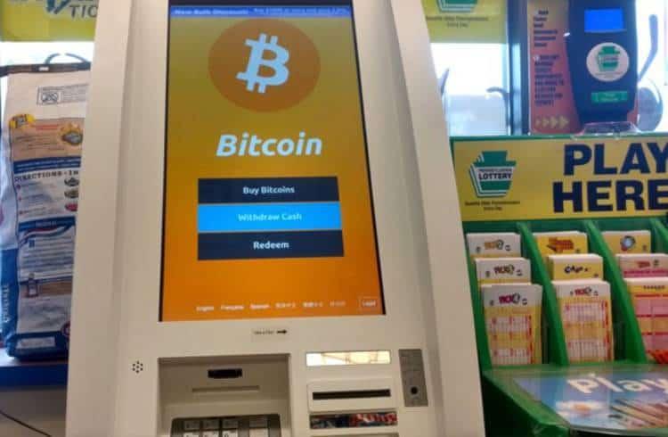 Mais de 5 mil caixas eletrônicos de Bitcoin estão espalhados pelo mundo