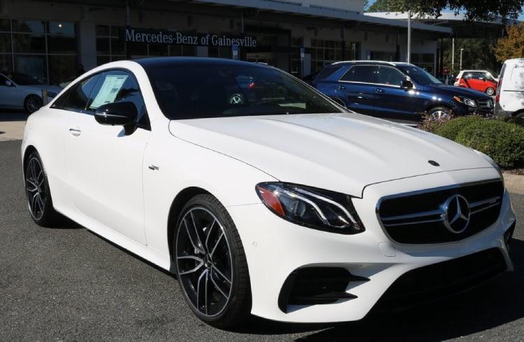 Empresa por trás da Mercedes está criando carteira de criptomoedas para carros