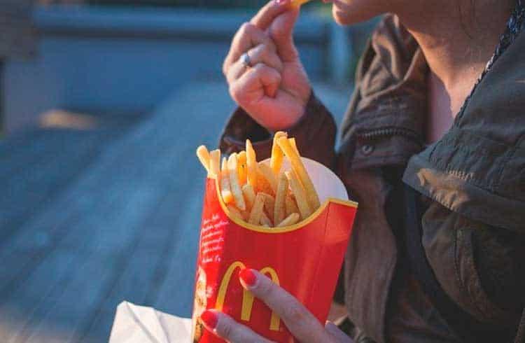 Nestlé e McDonald's juntam-se em projeto de blockchain para publicidade digital