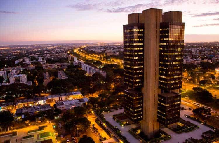 Deputados brasileiros pedem que Banco Central emita licença para exchanges nacionais