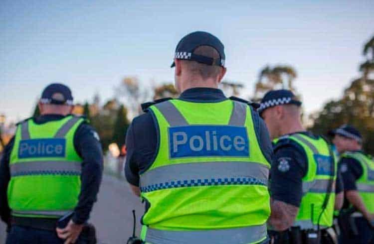 Polícia da Austrália prende quadrilha que roubou US$1,8 milhão em fraudes com criptomoedas