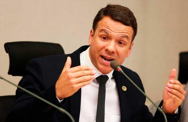 Deputado Federal quer obrigar governo brasileiro a usar blockchain