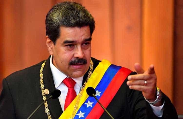 Nicolás Maduro ordena o uso do Petro no financiamento de projeto de habitação social