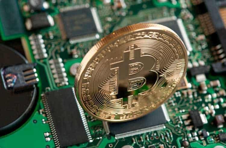 Demanda por equipamentos de mineração de Bitcoin permanece forte