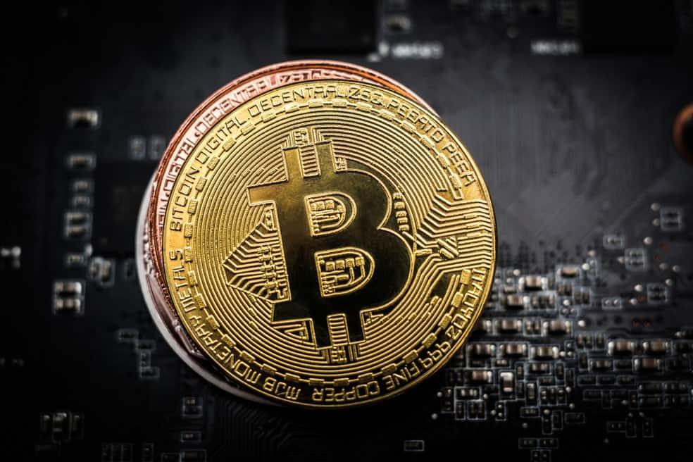 Bitcoin despeja US$200 nesta manhã e segue cotado a US$9 mil