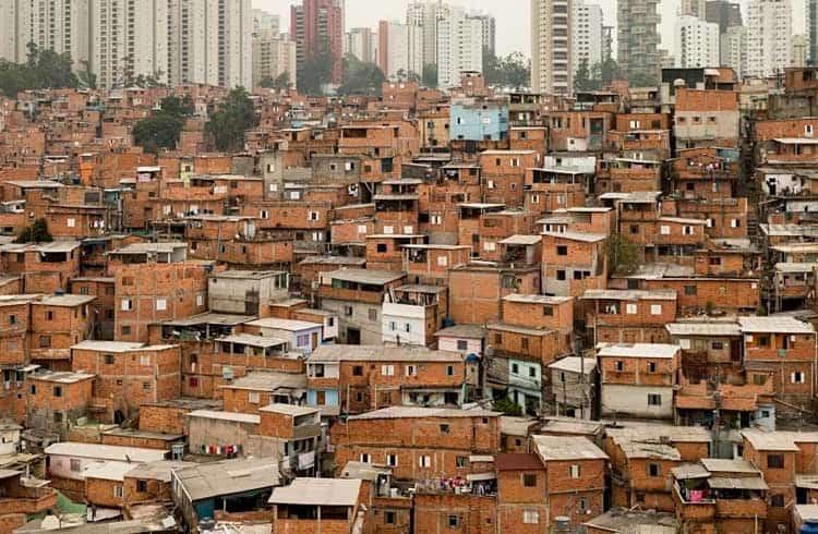 Bloco formado por favelas brasileiras usa blockchain em campanha de crowdfunding