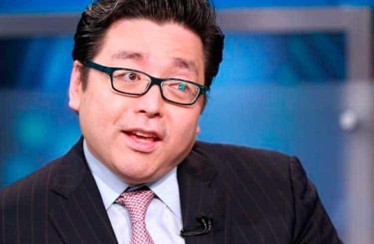 Tom Lee afirma que 99% do dólar em circulação é usado para especular