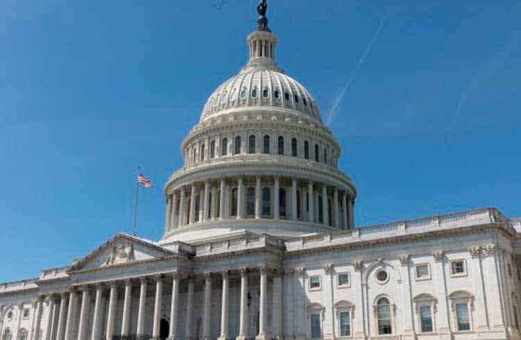 Congresso dos EUA pede que IRS esclareça regras tributárias sobre forks e airdrops