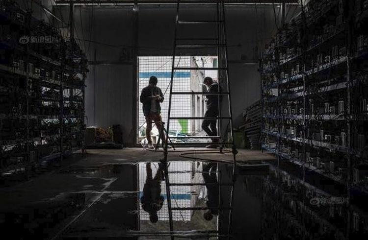 Mineradores chineses roubam energia e acabam perdendo 14 Bitcoins e 4 mil ASICs