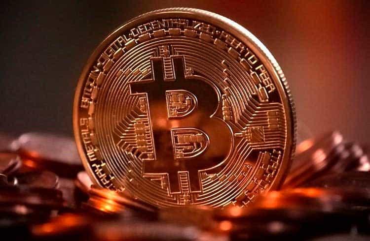 Preço do Bitcoin é mantido na faixa dos US$7 mil durante fim de semana