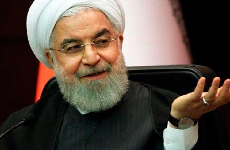Presidente do Irã propõe uso de criptomoedas a nações muçulmanas como alternativa ao dólar