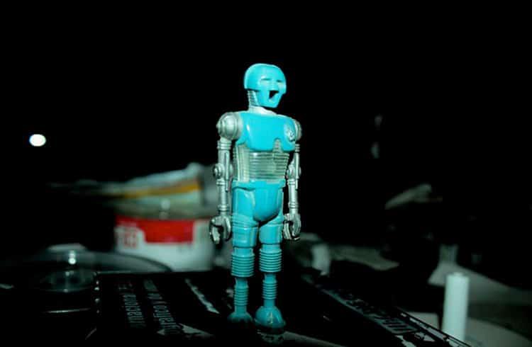 Atlas Quantum envia email para seus clientes disponibilizando seu robô