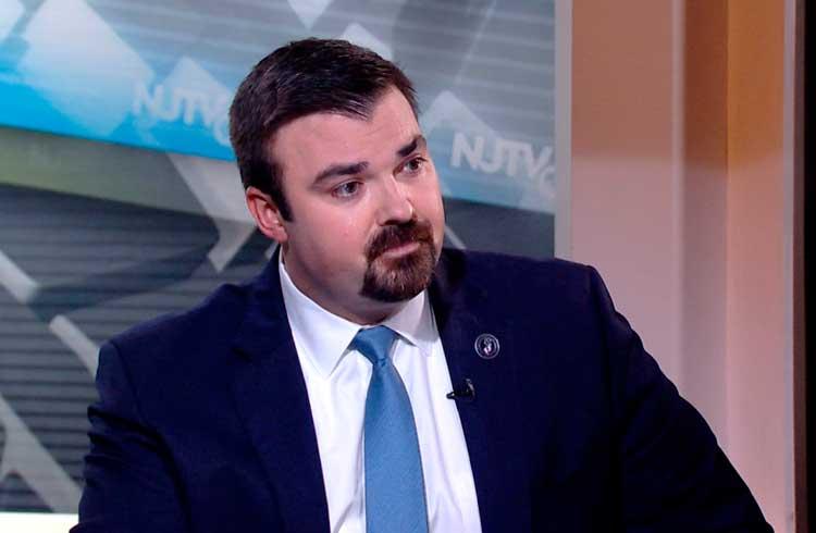 Diretor de segurança nacional dos EUA afirma que criptomoedas podem ajudar a fomentar terrorismo doméstico