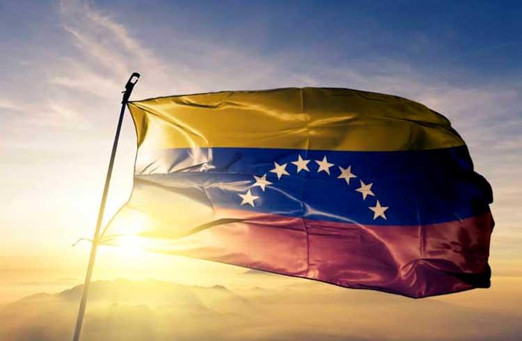 Venezuela fixa sobretaxa de até 25% em compras com criptomoedas diferentes do Petro