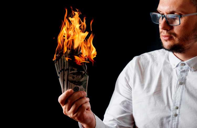 Banir o dinheiro em espécie é uma péssima ideia. Veja o porquê
