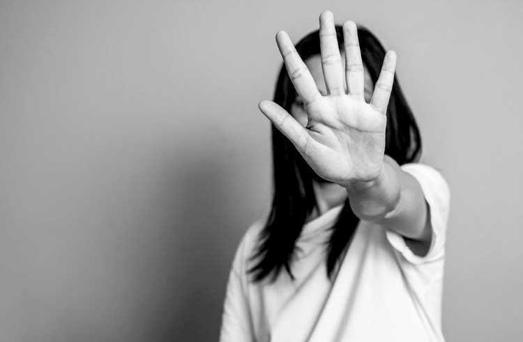 BID e associações na América Latina buscam projetos blockchain para combater violência contra mulher