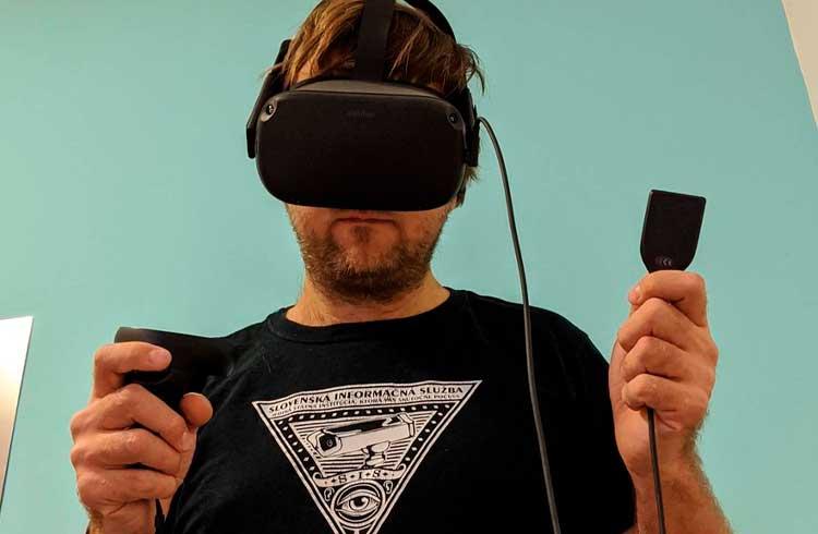 Desenvolvedor hackeia Trezor e integra dispositivo com realidade virtual