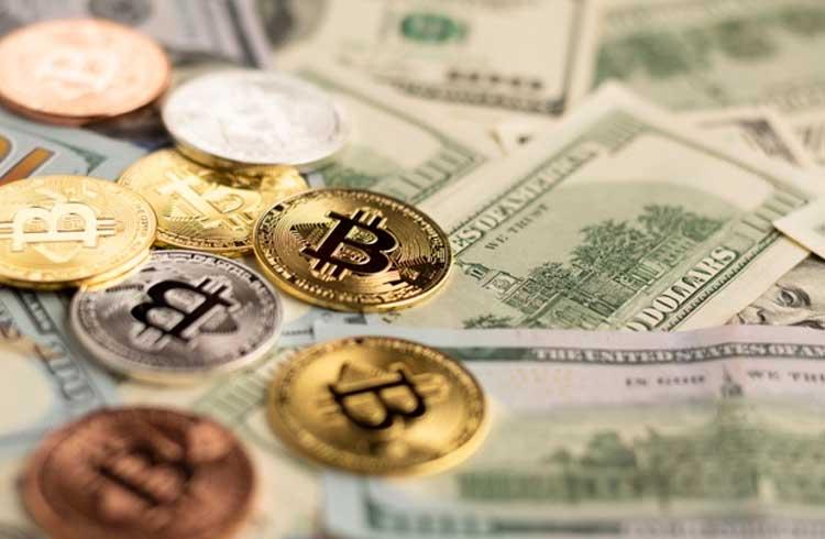 Em meio a queda no preço do Bitcoin, mineradores vendem mais BTC do que mineram