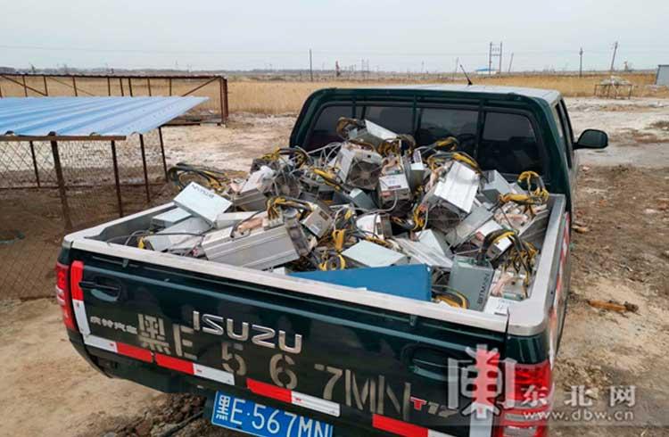 Chineses roubam eletricidade de poços de petróleo para minerar BTC e são presos
